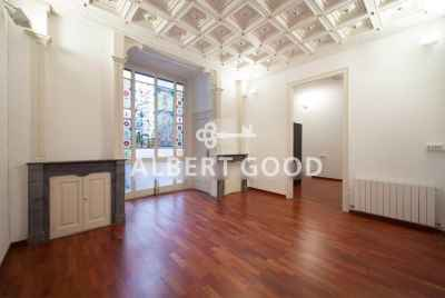 Luxury apartment in a privileged building next to Passeig de Gracia
